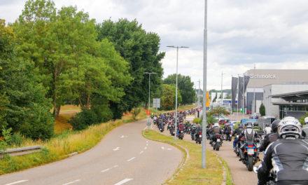Appelle und Denkanstösse: knapp 2.000 Teilnehmende bei der Motorraddemo in Freiburg am 26. Juli